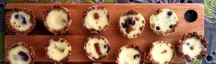 Vanilla Yogurt Custard Tartlette with Roasted Grapes TasteCookSip